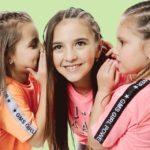 El color neón en ropa para chicos – Gimos verano 2020