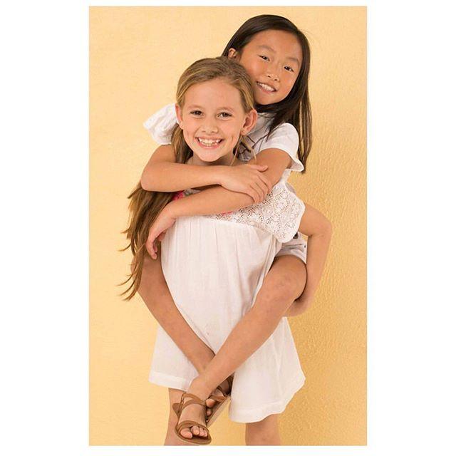 vestidos-blancos-para-niñas-wanama-verano-2020