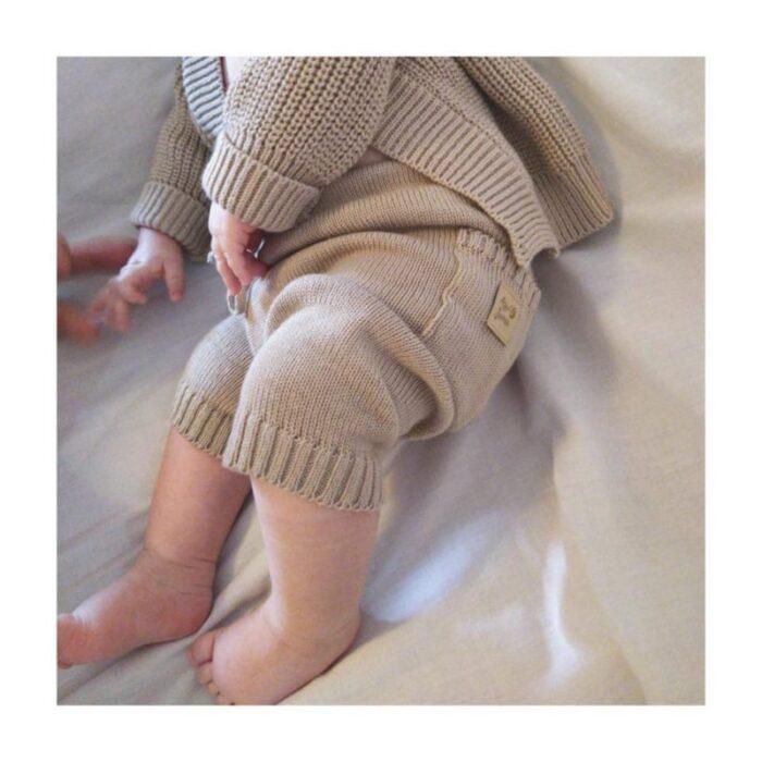 cardigan-y-pantalon-hilo-bebe-Ay-Juana-verano-2020