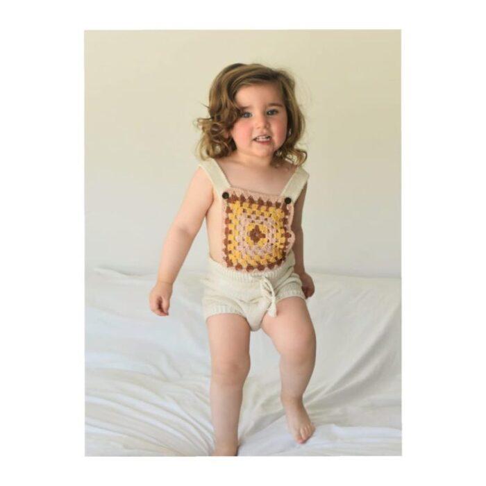 jardinero-nena-a-crochet-Ay-Juana-verano-2020