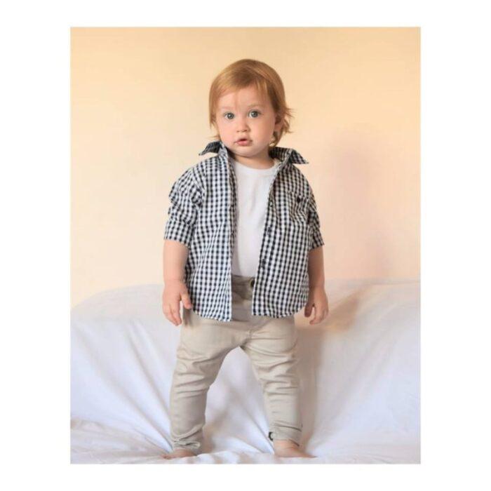 look-bebe-con-camisa-remera-y-pantalon-largo-Ay-Juana-verano-2020