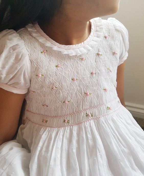 vestido-blanco-punto-smock