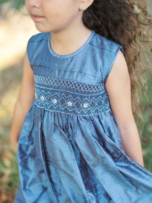 vestido-de-fiesta-niña-con-punto-smock