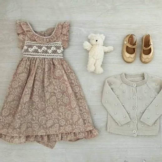 vestido-de-fiesta-para-niña-con-punto-smock-verano-2020