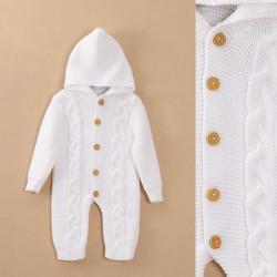 enterito con capucha bebe Nadi tejidos invierno 2020