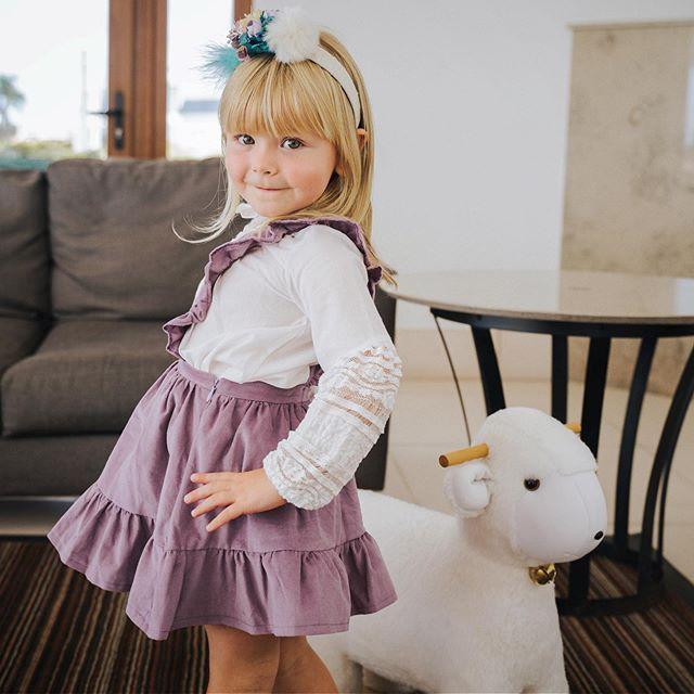 falda de corderoy con tiradores para niñas waw invirno 2020