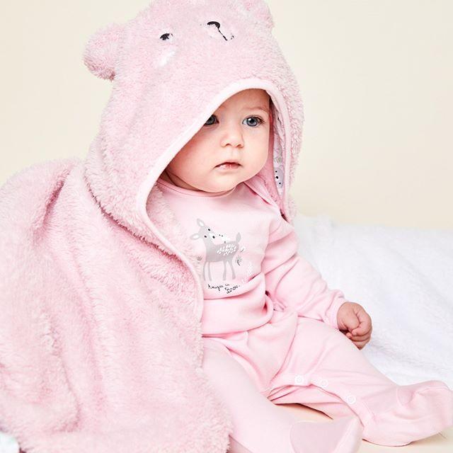 manta polar suave con capucha ara bebes Broer invierno 2020
