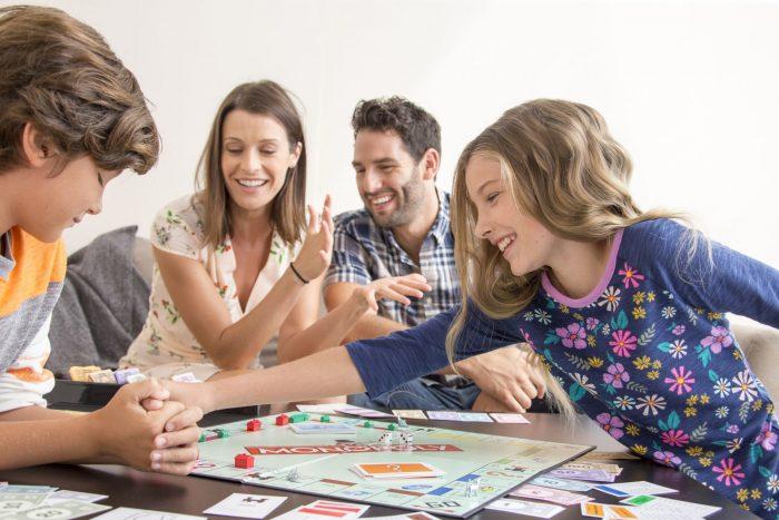 monopoly en familia