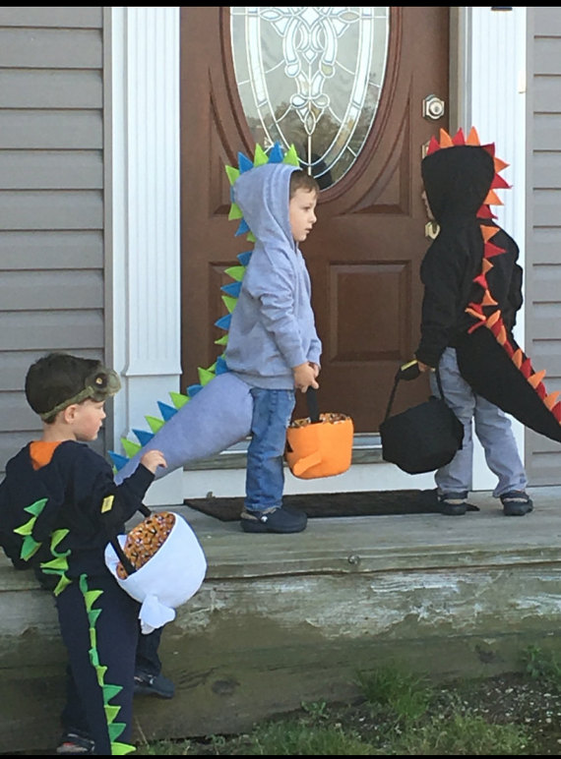 disfras de dinosaruio para niños hallowen