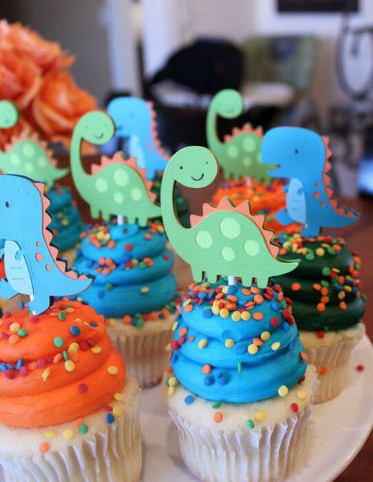 mini tortas de dinosaurios