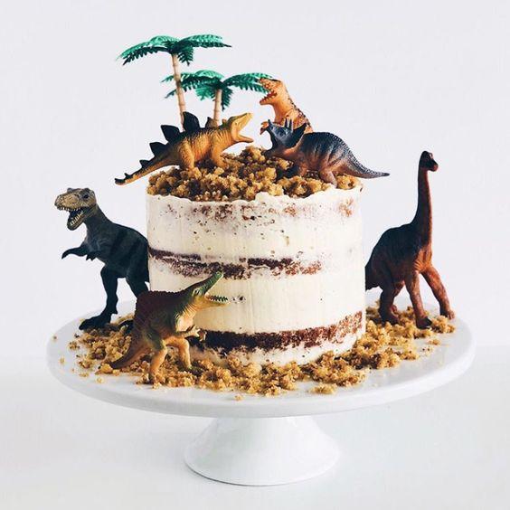 torta economica de decoracion de dinosaurios