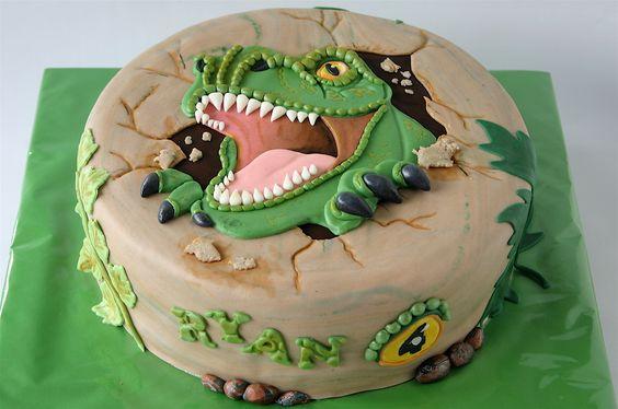 torta redonda de dinosaurio para ninos grandes