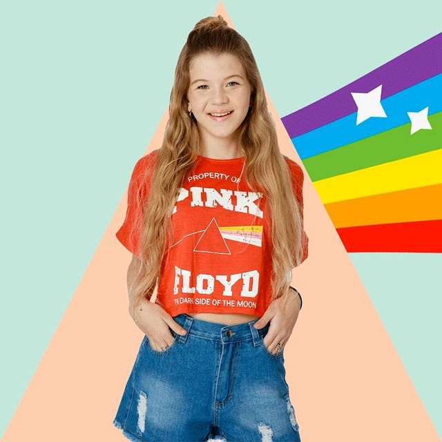 short jeans y top rojo nena piensa en mi verano 2022